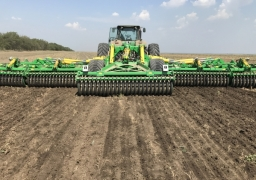 KRONOS 11 Compact disc harrow with knife rollers